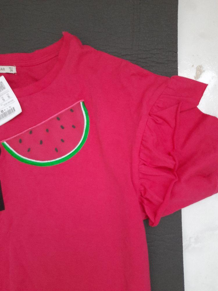 2 t shirts neufs