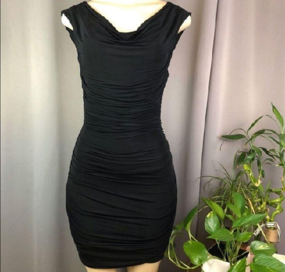 Très jolie robe à fronces # H&M