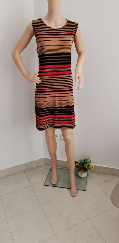 Robe yessica hya taille L mais tlabes XL 95%viscose