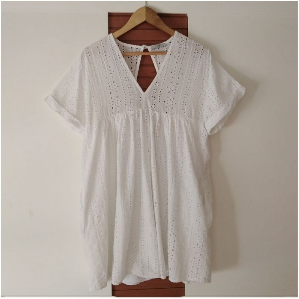 Robe à broderie anglaise oversize tout neuf