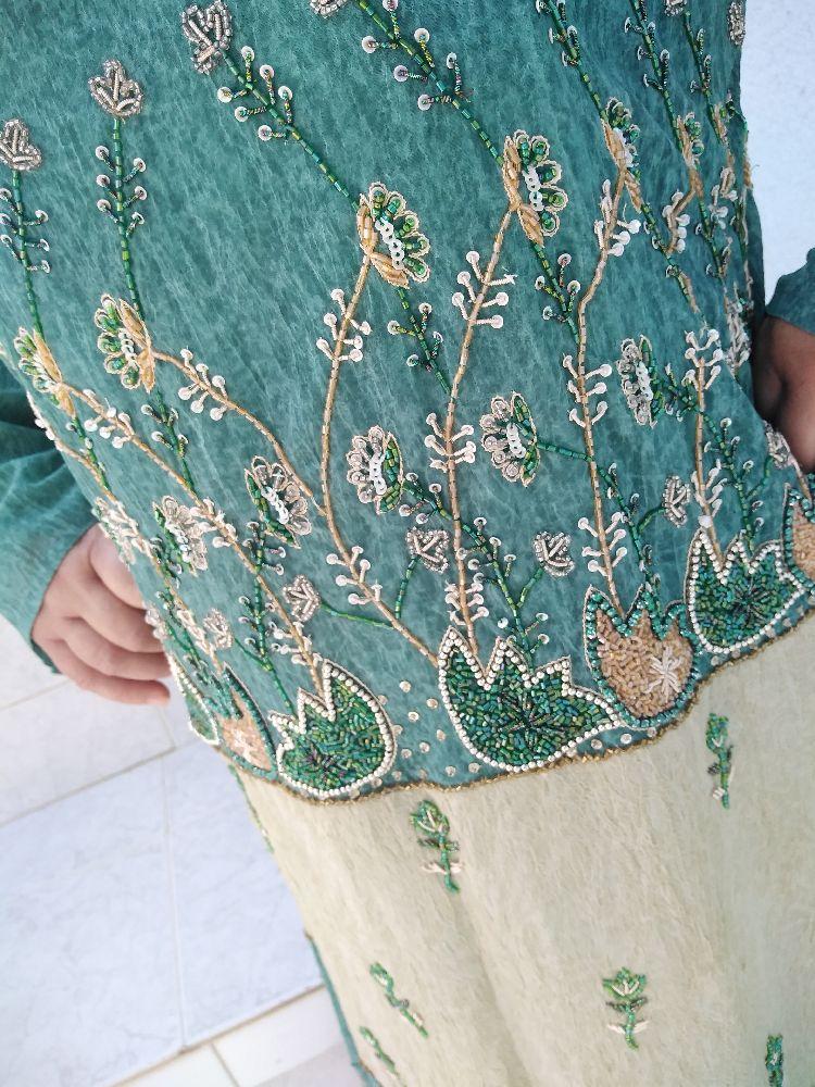 Jebba style Caftan brodée, manches longues, neuve avec étiquette, Article importé, taille 42