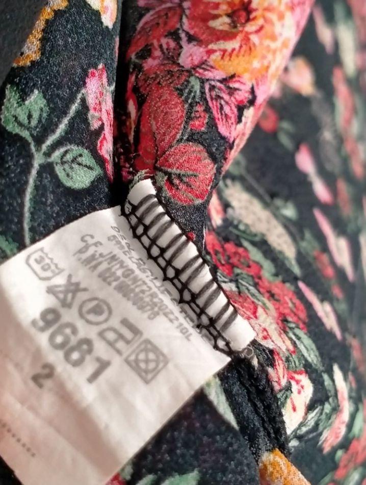 Kimono noir avec fleurs T2
