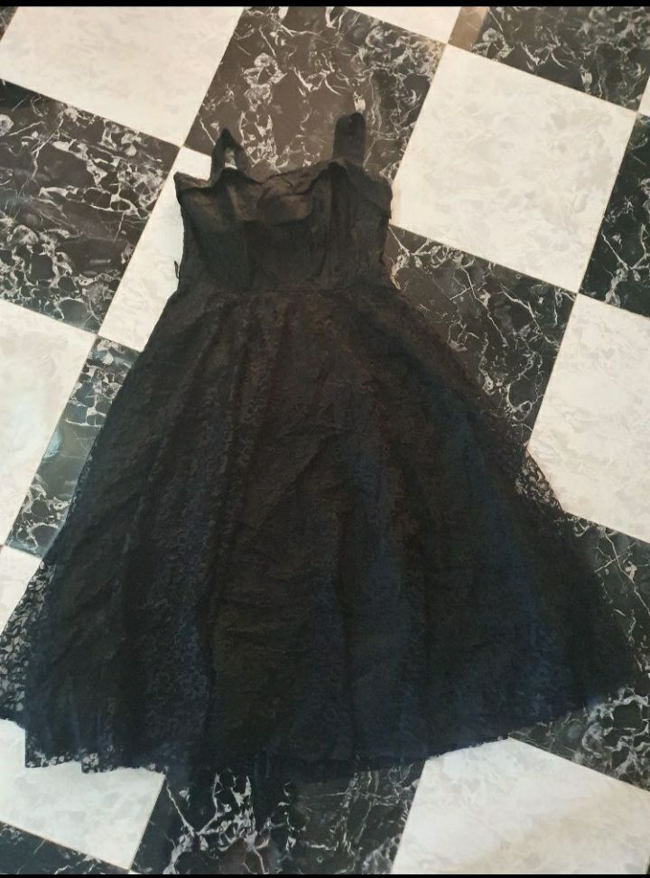 Robe noir dentelle tres class