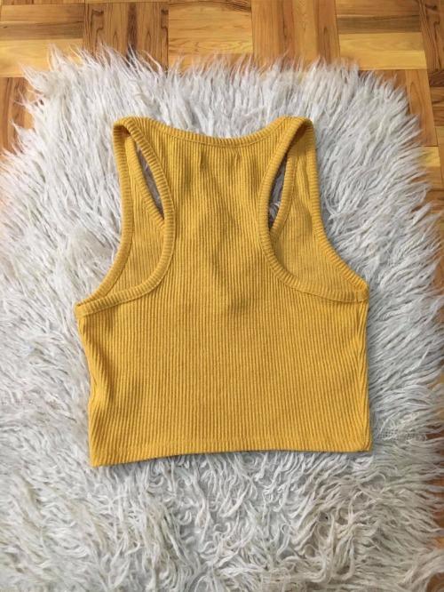 Top jaune