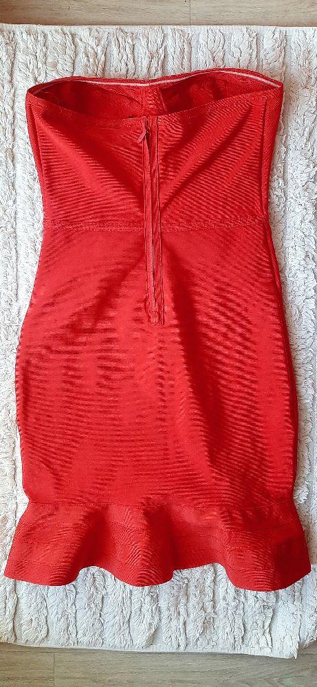 Robe bustier moulante rouge à volants