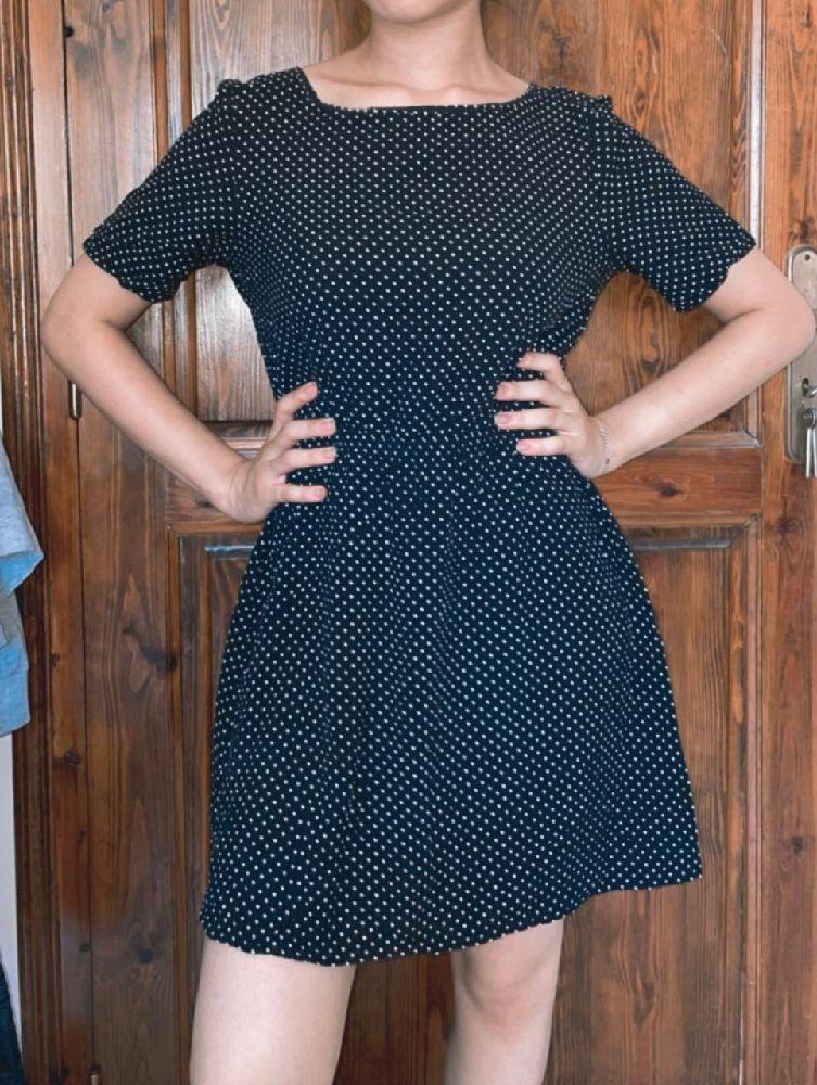Robe noir mini picotée