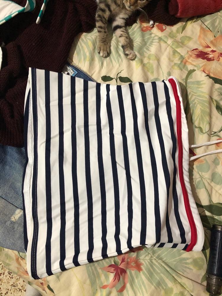 2 hauts de maillot + short jean